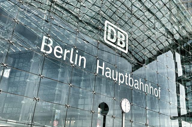 Berlin Hauptbahnhof, LoboStudioHamburg, pixabay, Creative Commons license