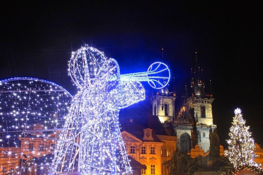 Angel of light, Christmas market, Vánoční trhy na Staroměstském náměstí, Vánoční trhy, Staroměstském náměstí, Old Town Square, Praha, Prague, Czech Republic, fotoeins.com