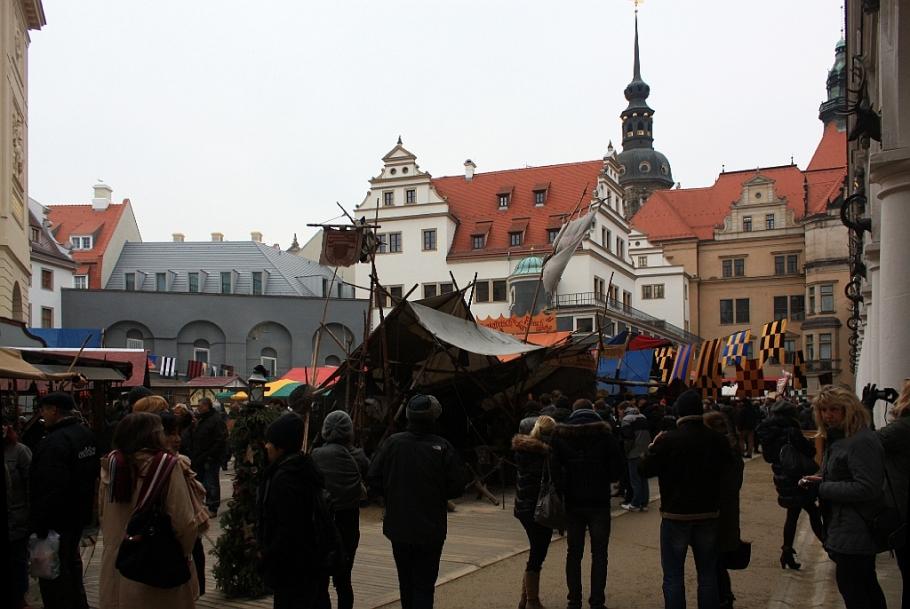 Mittelalter-Weihnacht im Stallhof, Weihnachtsmarkt, medieval Christmas, Residenzschloss, Dresden, Sachsen, Saxony, Germany, myRTW, fotoeins.com
