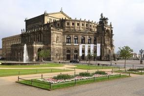 Semper Oper, Theaterplatz, Dresden, Sachsen, Saxony, Germany, fotoeins.com