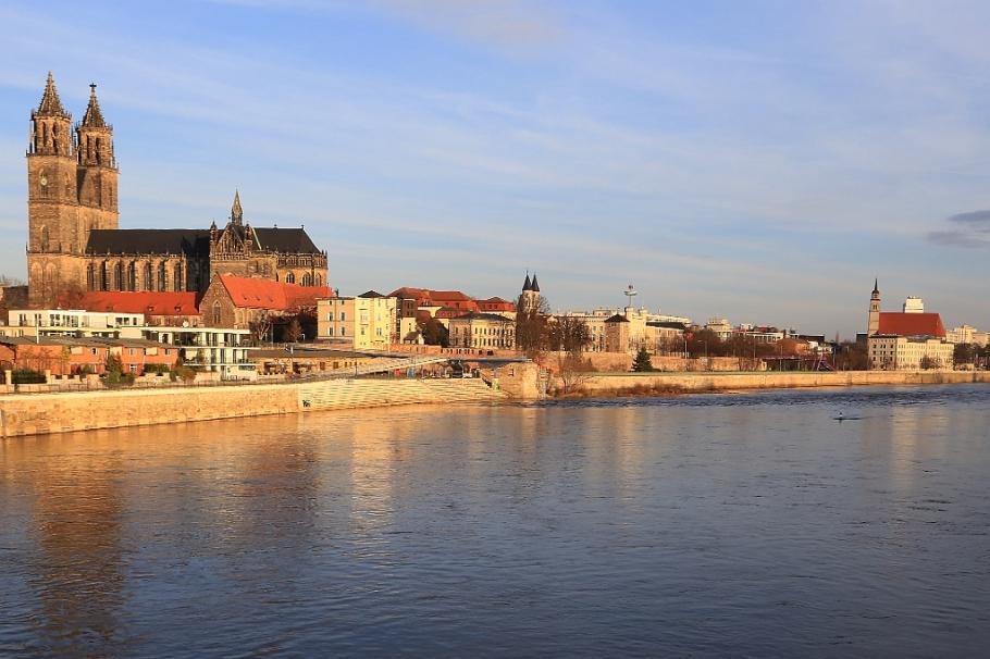 Magdeburg morning, Hubbrücke, Elbe river, Magdeburg, Sachsen-Anhalt, Saxony Anhalt, Germany, fotoeins.com