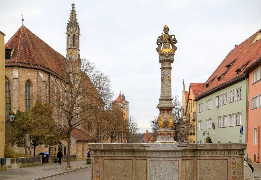 Herrnbrunnen, Herrngasse, Rothenburg ob der Tauber, Middle Franconia, Mittelfranken, Bayern, Bavaria, Germany, fotoeins.com
