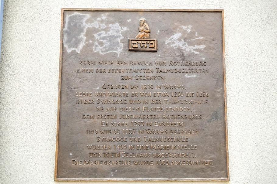 Rabbi-Meir-Gedenktafel, Rabbi Meir Memorial Plaque, Kapellenplatz, Chapel Square, Rothenburg ob der Tauber, Bayern, Bavaria, Germany, fotoeins.com