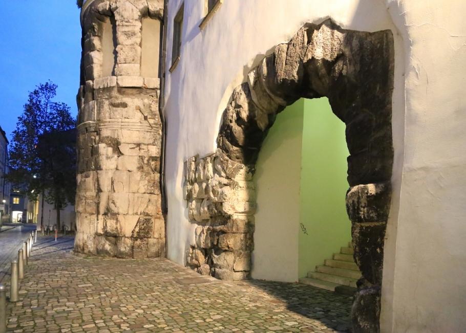 Porta Praetoria, Castra Regina, Roemerlager, Regensburg, Germany, UNESCO World Heritage Site, fotoeins.com