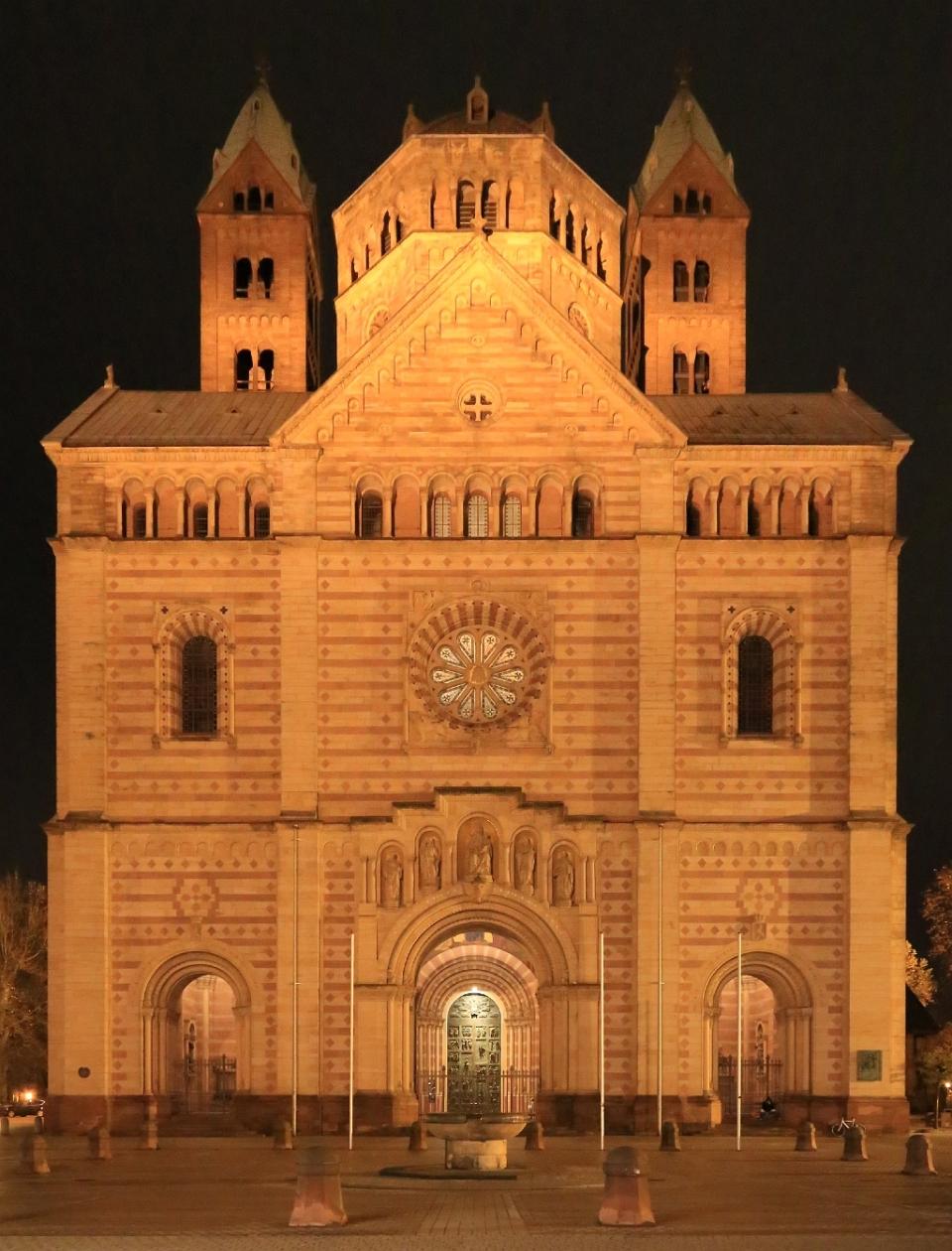 West portal, Kaiserdom, Speyer Cathedral, Domplatz, Speyer, Germany, UNESCO World Heritage Site, fotoeins.com
