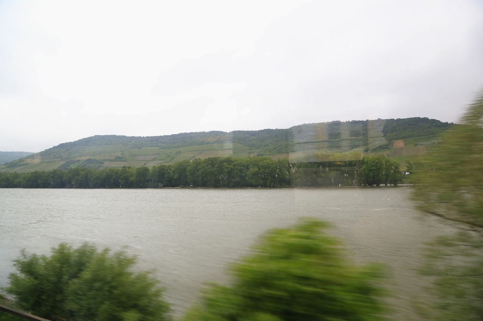 Deutsche Bahn, IC 2218, Oberes Mittelrheintal, Upper Middle Rhine Valley, Germany, fotoeins.com