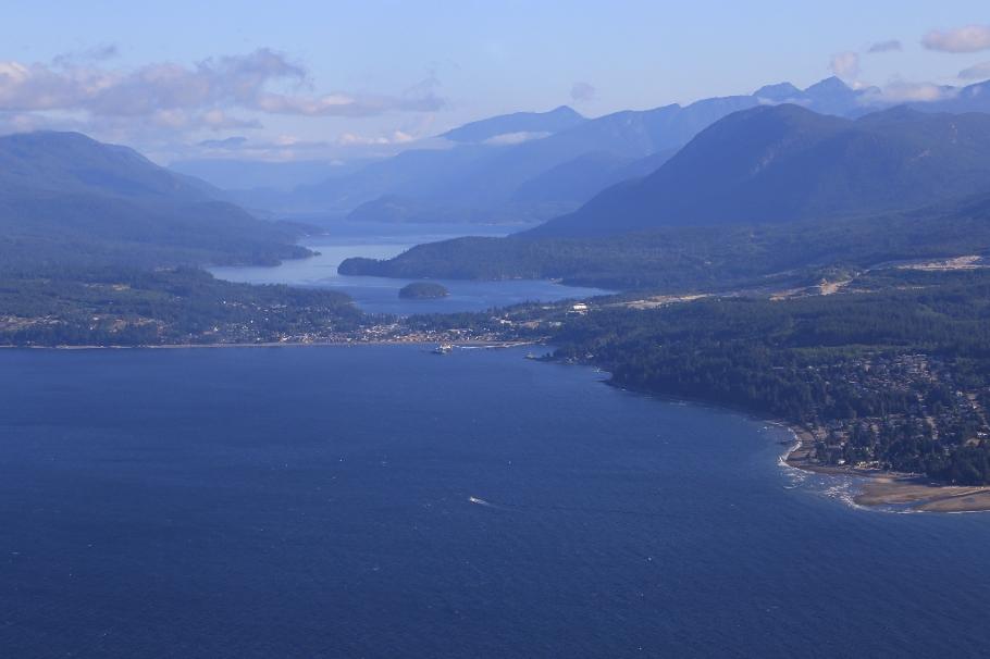 HA141, Harbour Air seaplane, Vancouver to Comox, Strait of Georgia, Georgia Strait, Salish Sea, British Columbia, Canada, fotoeins.com