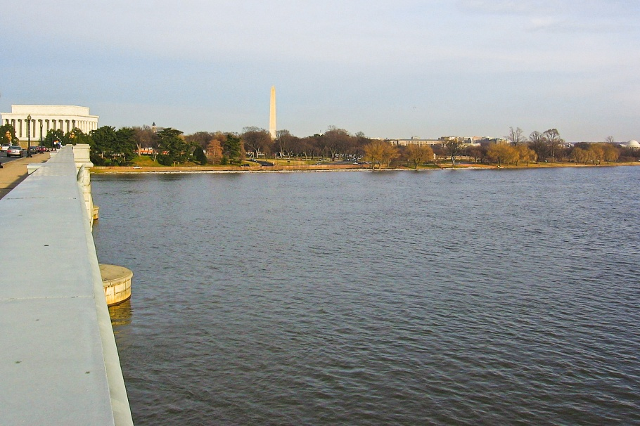 Potomac river, Arlington Memorial Bridge, Lincoln Memorial, Washington Monument, Jefferson Memorial, Washington, DC, USA, fotoeins.com