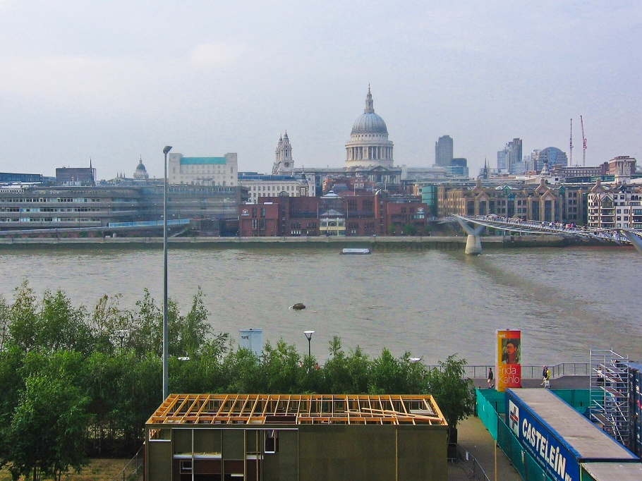 Thames, Tate Modern, St. Paul's Cathedral, Millennium Bridge, London, England, United Kingdom, fotoeins.com