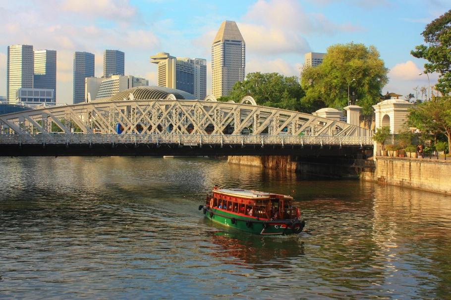Singapore river, Cavenagh Bridge, Anderson Bridge, Singapore, fotoeins.com