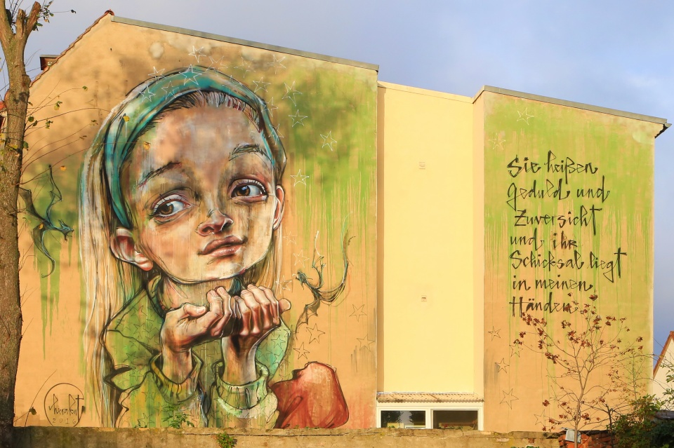 Patience and hope, wall mural, Herakut, Lutherstadt Wittenberg, Wittenberg, Saxony-Anhalt, Germany, fotoeins.com