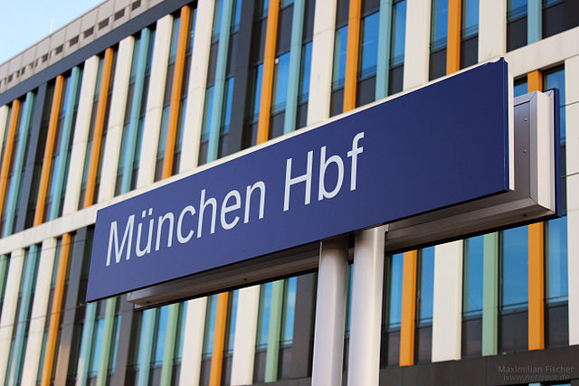 Muenchen Hbf (Gleis 5): by HintenRum for Wikimedia