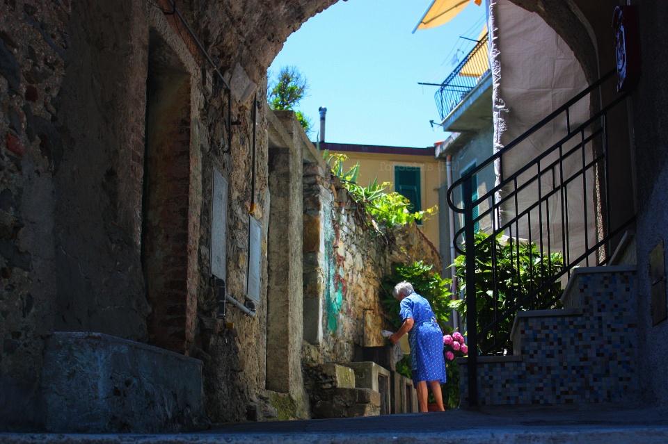 Corniglia, Cinque Terre, Liguria, Italy, Ligurian coast, Ligurian Riviera, Italian Riviera, Ligurian Sea, Mediterranean, UNESCO, World Heritage, fotoeins.com