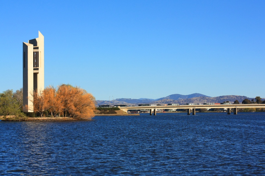 National Carillon, Kings Avenue Bridge, Lake Burley Griffin, Canberra, ACT, Australia, fotoeins.com, myRTW