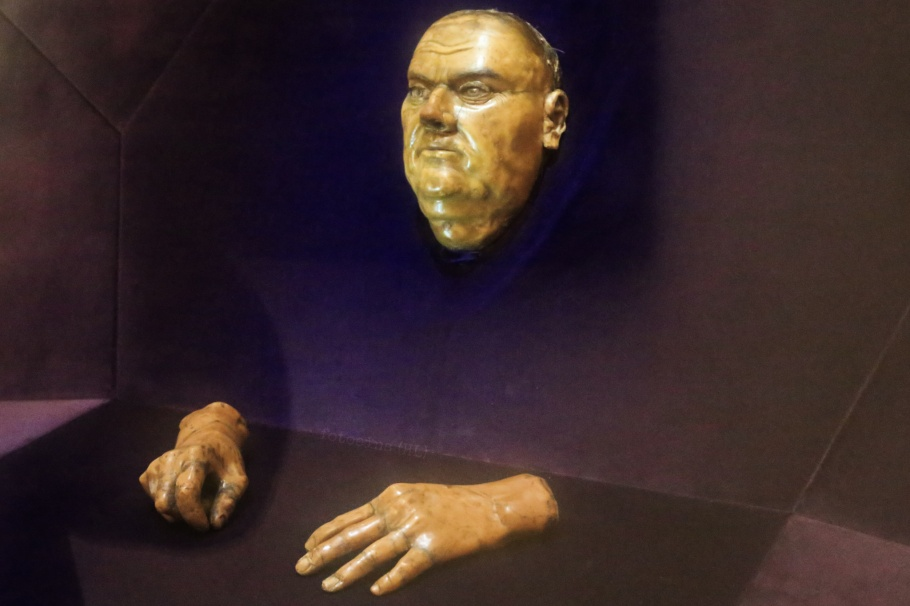 Martin Luther, Luther's death mask, St. Mary's Church, Marienkirche, Halle an der Saale, Halle, Saale river, Saale, Sachsen-Anhalt, Saxony-Anhalt, Cultural Heart of Germany, Germany, fotoeins.com