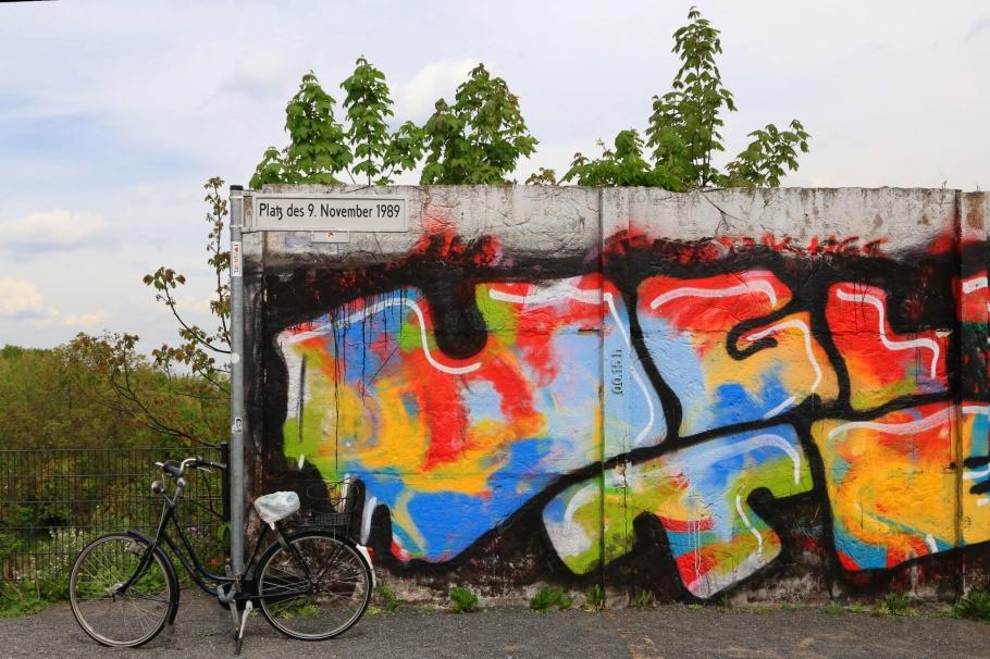 Platz des 9. November 1989, Boesebruecke, Bornholmer Strasse, S Bornholmer Strasse, S-Bahn Berlin, Berliner Mauer, Berlin Wall, Berlin, Hauptstadt, Germany, fotoeins.com