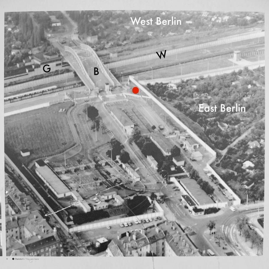 Boesebruecke, Bornholmer Strasse, S Bornholmer Strasse, S-Bahn Berlin, Platz des 9. November 1989, Berliner Mauer, Berlin Wall, Berlin, Hauptstadt, Germany, fotoeins.com