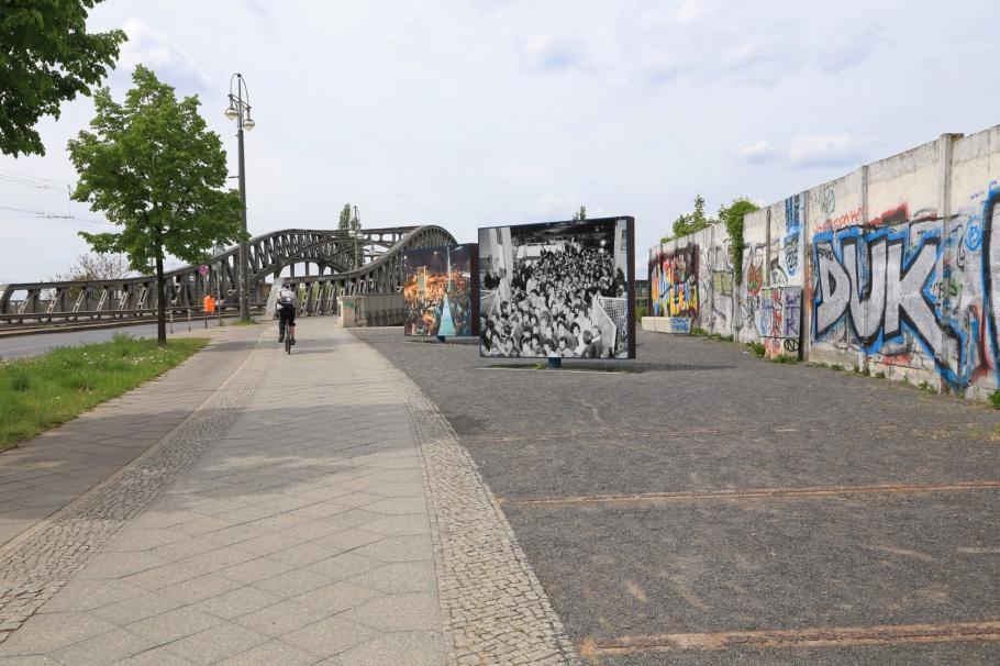 Boesebruecke, Bornholmer Strasse, S Bornholmer Strasse, S-Bahn Berlin, Berliner Mauer, Berlin Wall, Berlin, Hauptstadt, Germany, fotoeins.com