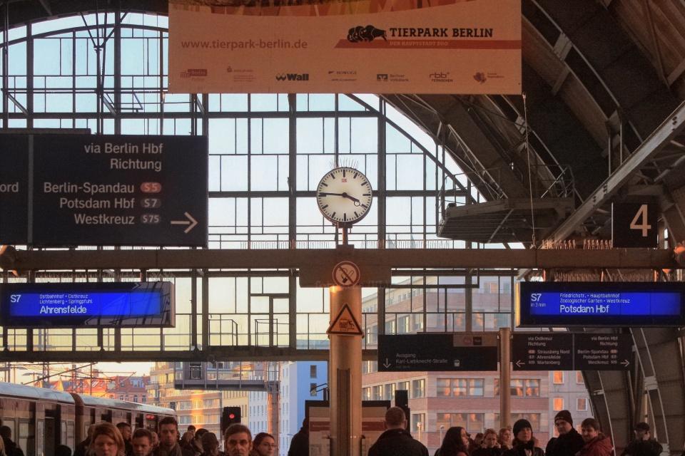 Tierpark Berlin, Friedrichstrasse, Bahnhof Friedrichstrasse, train station, S-Bahn Berlin, Berlin, Hauptstadt, Germany, fotoeins.com, myRTW