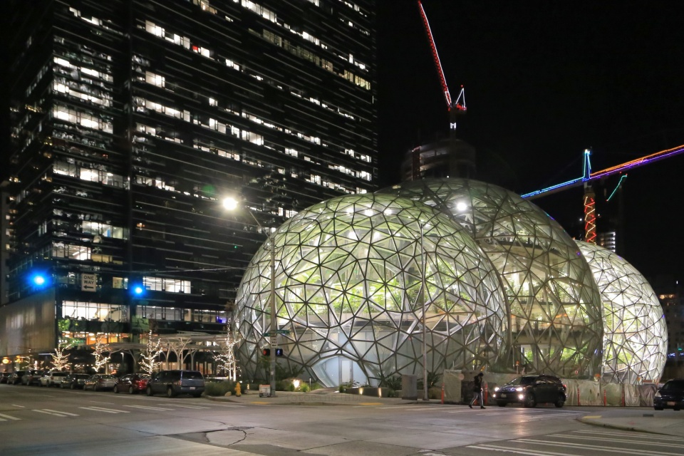 The Spheres, Amazon Spheres, 6th and Lenora, Amazon, Denny Regrade, Denny Triangle, Seattle, Washington, fotoeins.com