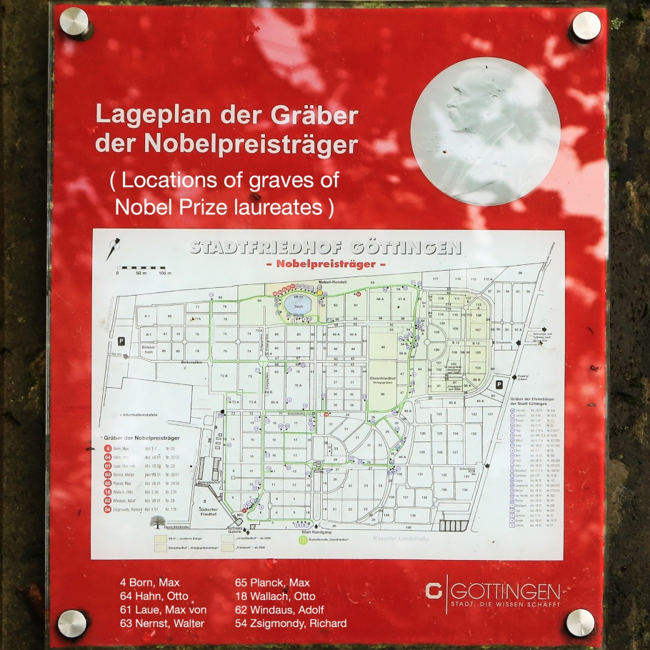 Nobel-Rondell, Nobelpreisträger, Nobel Prize laureates, Nobel Prize, Stadtfriedhof Göttingen, Lower Saxony, Niedersachsen, Germany, fotoeins.com