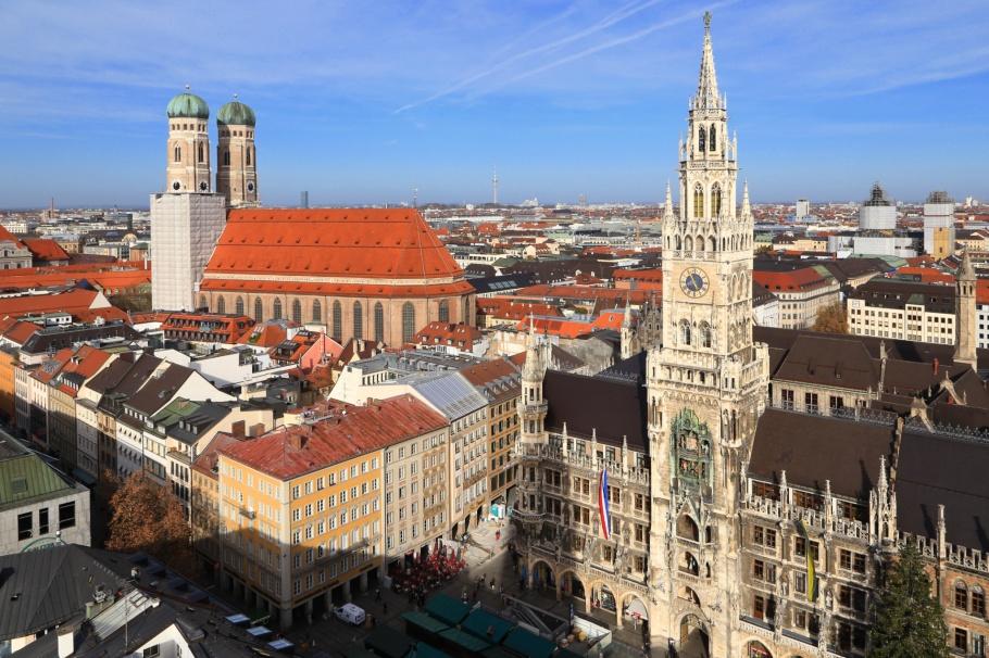 Neues Rathaus, Marienplatz, Frauenkirche, Peterskirche, München, Munich, Bavaria, Bayern, Germany, fotoeins.com