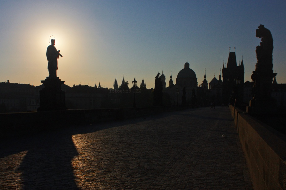 summer sunrise, sunrise, summer, Karluv most, Charles Bridge, Prag, Prague, Praha, Czech Republic, fotoeins.com