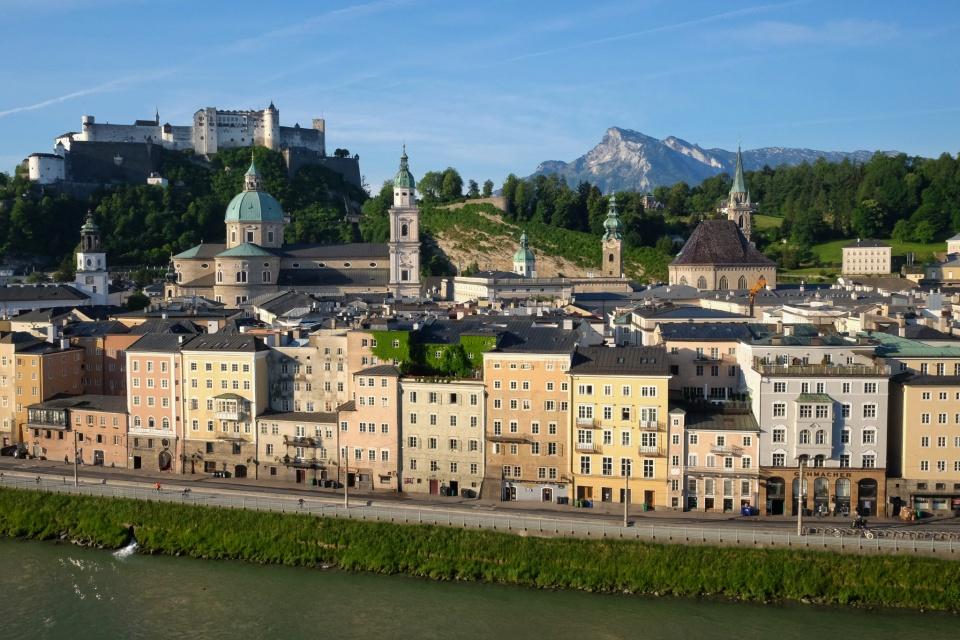 Old Town, morning, Kapuzinerberg, Festung Hohensalzburg, Untersberg, Salzburg, Oesterreich, Austria, fotoeins.com