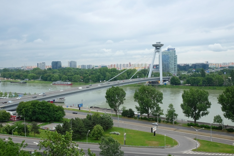 Sigismund Gate, Žigmundova brána, Bratislava Castle, Bratislavský hrad, Most SNP, UFO Bridge, Petržalka, Danube, Bratislava, Slovakia, fotoeins.com