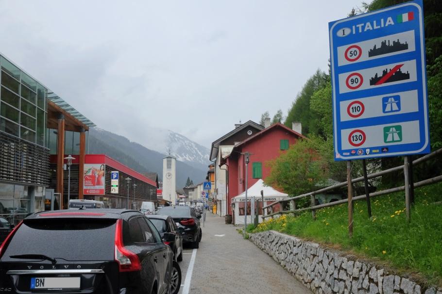 Brenner Pass, Brennerbahn, Brennero, Italia, Italy, South Tyrol, Brenner, Austria, Oesterreich, Tirol, Tyrol, fotoeins.com