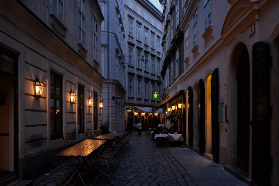 Ballgasse, dusk, Vienna, Wien, Old Town, UNESCO, World Heritage, Oesterreich, Austria, fotoeins.com