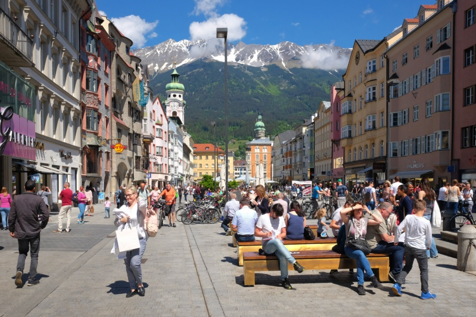 Annasäule, Rathaus Galerien, Innsbruck, Tirol, Tyrol, Austria, Oesterreich, fotoeins.com