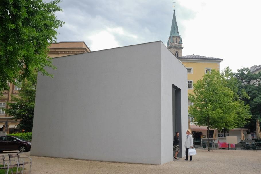 Anselm Kiefer, A.E.I.O.U., Walk of Modern Art, street art, Furtwänglerpark, Salzburg, Austria, Oesterreich, fotoeins.com