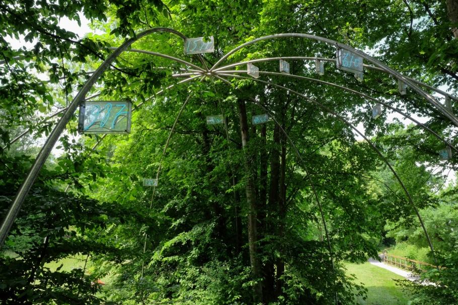 Mario Merz, Ziffern im Wald, Walk of Modern Art, street art, Museum der Moderne, Salzburg, Austria, Oesterreich, fotoeins.com