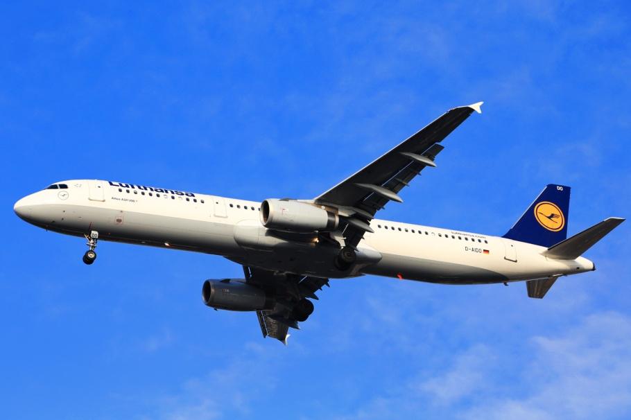 Lufthansa, Airbus, A321-231, A322, D-AIDO, Tegel airport, TXL, Berlin, Germany, fotoeins.com