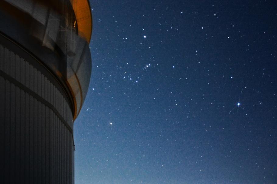Orion constellation, Betelgeuse, Rigel, Orion's belt, Orion Nebula, M42, Canis Major, Sirius, Gemini Observatory, Gemini South, Cerro Pachon, Andes, Region de Coquimbo, Atacama Desert, Desierto de Atacama, Chile, fotoeins.com