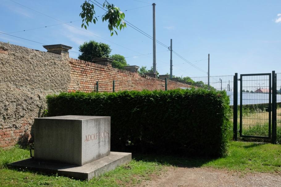 Adolf Loos, Zentralfriedhof, Friedhoefe Wien, Vienna, Wien, Oesterreich, Austria, fotoeins.com