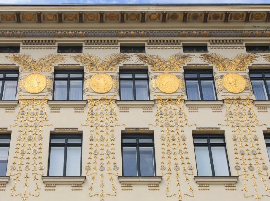 Wienzeilenhäuser, Musenhaus, Medaillonshaus, Linke Wienzeile 38, Otto Wagner, Vienna Modernism, Wiener Moderne, Wien, Vienna, Oesterreich, Austria, fotoeins.com