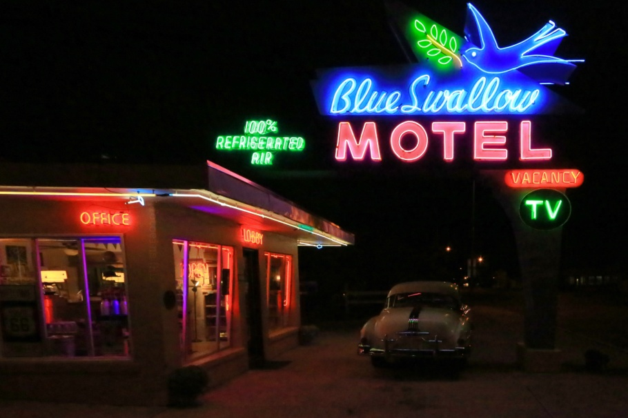 neon, signage, Blue Swallow Motel, US route 66, US-66, Mother Road, Tucumcari, NM, fotoeins.com