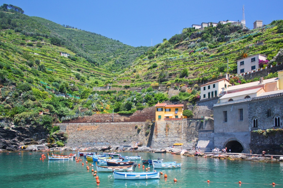 Vernazza, Cinque Terre, Liguria, Italy, Ligurian coast, Ligurian Riviera, Italian Riviera, Ligurian Sea, Mediterranean, UNESCO, World Heritage, fotoeins.com