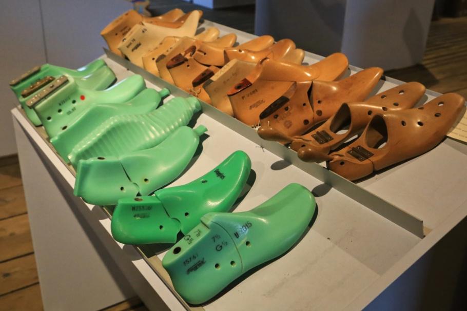 Shoe lasts, Fagus-Werk, Fagus Factory Building, Fagus, Walter Gropius, Karl Benscheidt, Alfeld, Lower Saxony, Niedersachsen, Germany, UNESCO, World Heritage, Bauhaus, fotoeins.com