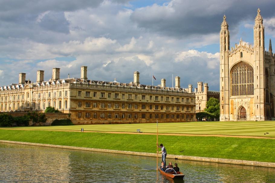 Punting, River Cam, King's College, Cambridge University, Cambridge, England, UK, fotoeins.com