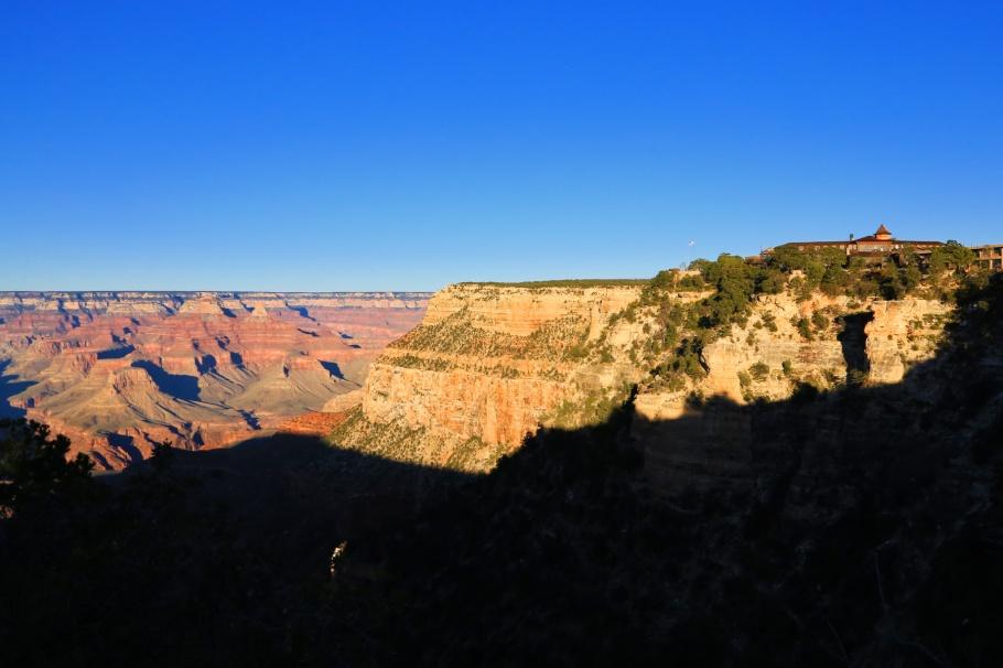 El Tovar Hotel, South Rim Trail, Grand Canyon Village, South Rim, Grand Canyon, Grand Canyon National Park, AZ, USA, fotoeins.com