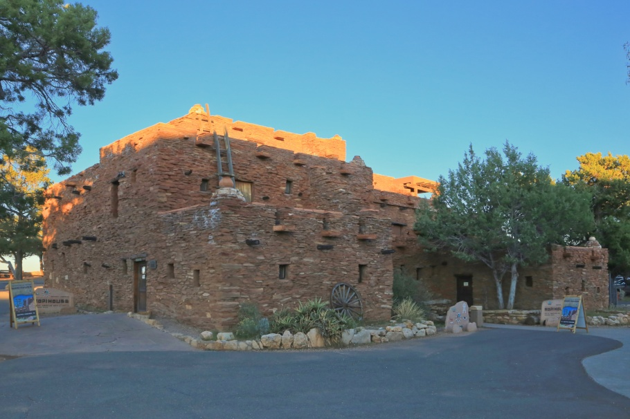 Hopi House, Grand Canyon Village, South Rim, Grand Canyon, Grand Canyon National Park, AZ, USA, fotoeins.com