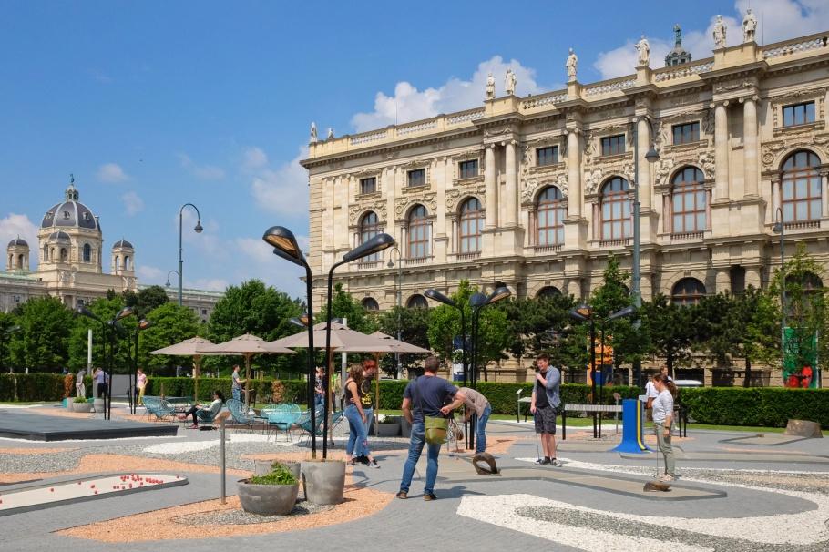 Museumsquartier, NHM Wien, KHM Wien, Vienna, Wien, Austria, Oesterreich, fotoeins.com