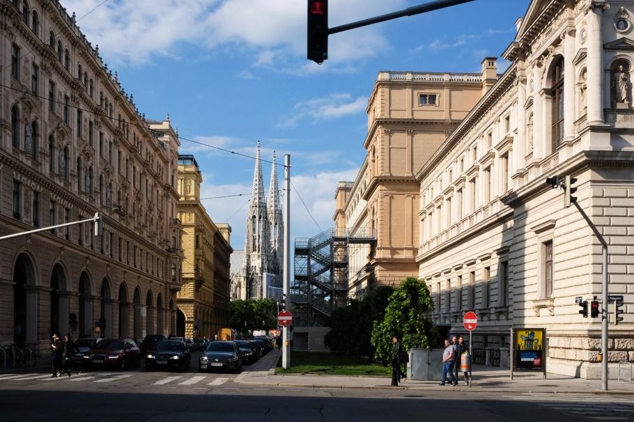 Votivkirche, Rathausplatz, Universität Wien, Vienna, Wien, Oesterreich, Austria, fotoeins.com
