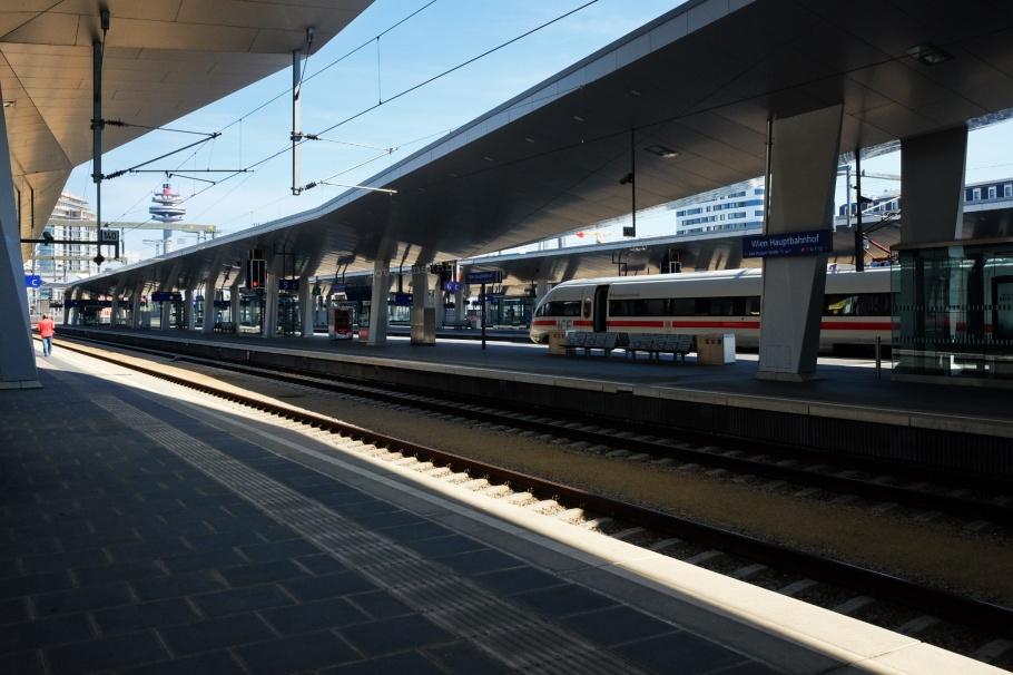 Hauptbahnhof, central station, Wiener Hauptbahnhof, Wien Hbf, Vienna, Wien, Oesterreich, Austria, ÖBB, fotoeins.com