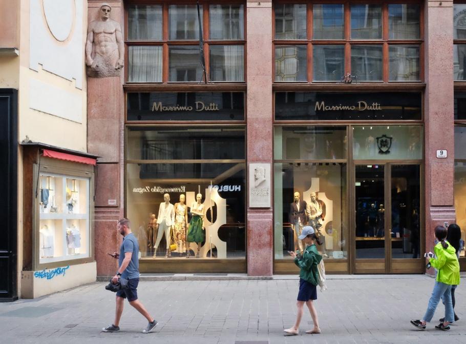 Kohlmarkt 9, Massimo Dutti, Vienna, Wien, Oesterreich, Austria, fotoeins.com