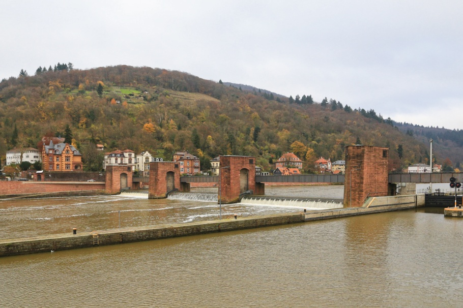 Schleuse, river locks, Neckar river, Heidelberg, Baden-Wuerttemberg, Germany, fotoeins.com