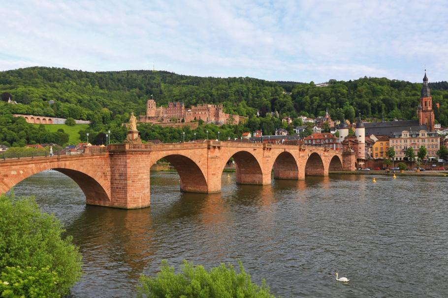 Heidelberger Altstadt, Königstuhl, Schloss Heidelberg, Alte Brücke, Heiligenkirche, Altstadt, Neckar, Neckar river, Heidelberg, Baden-Württemberg, Germany, Deutschland, fotoeins.com